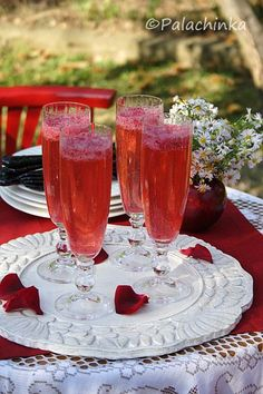 Red Currant Champagne: pureed frozen red currants placed in the bottom of the glass; then add Champagne