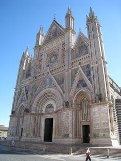 Quando for a #Roma, não deixe de visitar #Orvieto  #viatorpt