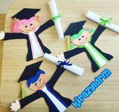 Cute and creative graduation cards or favors Kids Crafts, Foam Crafts, Crafts To Do, Easy Crafts, Arts And Crafts, Paper Crafts, Graduation Crafts, Pre K Graduation, Kindergarten Graduation