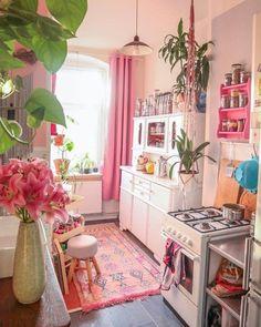 Bohemian Latest And Stylish Home decor Design And Life Style Ideas - Bohemian Home Kitchen Stylish Home Decor, Retro Home Decor, Retro Kitchen Decor, Diy Home Decor, Deco Bobo, Home Interior Design, Interior Decorating, Casa Retro, Aesthetic Room Decor