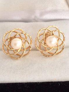 Casual Elegance 14k Fine Gold Genuine Pearl by HauteCoutureLaLa