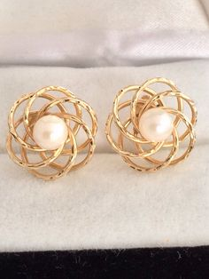Casual Elegance 14k Fine Gold Genuine Pearl earing .Can have it over Elegant wear