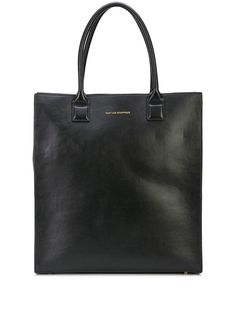 Black leather Aberdeen structured tote from WANT Les Essentiels featuring top handles, a top zip closure, a main internal compartment, an internal logo patch and a front embossed logo stamp. Aberdeen, Designer Totes, Logo Stamp, Embossed Logo, Luxury Branding, Dust Bag, Black Leather, Tote Bag, Zip