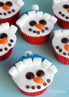 Creative Christmas Cupcake Ideas What a cute idea for a Christmas open house