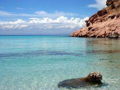 La Paz, Mexico. Hidden beaches, beautiful islands....paradise!
