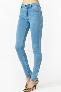 Second Skin Jeans in Light Wash