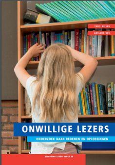"""Door gebrek aan oefening stagneert de leesontwikkeling. Een belangrijke bevinding uit het onderzoek van Nielen en Bus is dat het landelijke leesbevorderingsprogramma """"de Bibliotheek op school"""" effectief is in de strijd tegen ageletterdheid."""