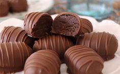 Gelin 5 dakikada çok nefis atıştırmalıklar yapalım ne dersiniz? Hemde öyle acaba o malzemeden varmı bu malzeme kaldımı evde acaba diye düşünmeden. Çünkü bu atıştırmalıklar sadece 3 malzeme ile yapılıyor. Merida, Mini Cupcakes, Tart, Biscuits, Muffin, Sweets, Meals, Cookies, Breakfast