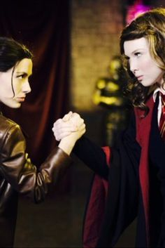 There's No Winner When Katniss Takes On Hermione In 'Princess Rap Battle'