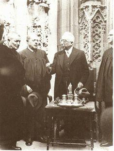 1932. Alcalá Zamora con los miembros del Tribunal de las Aguas.