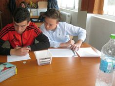 Global experiment results being recorded by students at Scoala Gimnaziala 4 Fratii Popeea, Romania