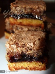 Prajitura cu magiun si nuca Date Recipes Baking, Sweets Recipes, Cake Recipes, No Cook Desserts, Easy Desserts, Green Tea Recipes, Sweet Cooking, Homemade Sweets, Oreo Dessert