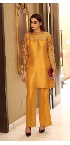 Pakistani Fashion Party Wear, Pakistani Dresses Casual, Pakistani Bridal Dresses, Indian Fashion Dresses, Pakistani Dress Design, Fashion Outfits, Latest Pakistani Fashion, Fancy Dress Design, Stylish Dress Designs