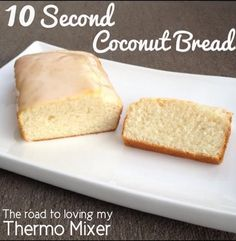 10 Second Coconut Bread - Well it doesn't get much easier than this! Whilst it takes longer than 10 seconds to cook, the preparation time is quick! This is a nice soft coconut bread p Thermomix Bread, Thermomix Desserts, Lemon Recipes Thermomix, Coconut Recipes, Baking Recipes, Cake Recipes, Coconut Bread Recipe, Bellini Recipe, Bread Ingredients