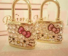 Hello Kitty Locks so super sparkly and cute Hello Kitty Jewelry, Hello Kitty Accessories, Hello Kitty Items, Hello Kitty Collection, Pretty Cats, Pretty Kitty, Here Kitty Kitty, Girly Things, Little Girls