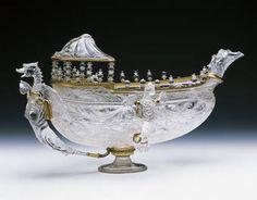 """""""Góndola o galera de cristal con tres sierpes aladas"""", Taller de los Sarachi, último tercio del siglo XVI"""