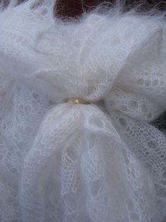 "Gossamer downy shawl. Very light downy shawl. White shawle. Drawing ""daisy"". Handmade shawle. by downworkshop. Explore more products on http://downworkshop.etsy.com"