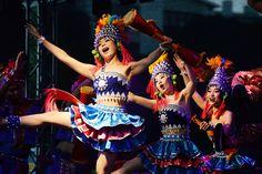 "February 6, 2016, South Africa, Mossel Bay, Chinese dancers in the Dias Art Festival. Zheng Wen _ photo欢乐春节 五洲同庆——2016摄影展""--中国文化网"