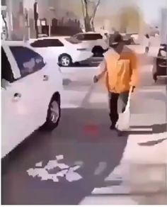 Strong people stand up for themselves, but stronger people stand up for others Funny Videos, Funny Video Memes, Funny Animal Videos, Funny Jokes, Funny Animals, Hilarious, Funny Cute, The Funny, Human Kindness