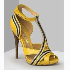 oh these are fierce. if only i had dark skin for them to look lovely against.