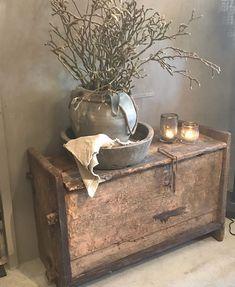Wabi Sabi, Small Entryways, European Home Decor, Deco Floral, Shabby Vintage, Ikea, Furniture Inspiration, Rustic Farmhouse, French Antiques