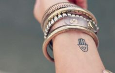 Tatuagens Delicadas no Pulso Archives - Paty ShibuyaPaty Shibuya