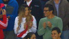 La cábala de la Selección Peruana está en el Estadio Nacional. Cada vez que Alondra García Miró, novia de Paolo Guerrero, fue a ver a la bicolor, al equipo le fue bien. Un claro ejemplo fue la última Copa América y, esta noche, no debe ser la excepción. Octubre 13, 2015.