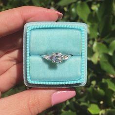 Platinum & Diamond 1930's Vintage Engagement Ring Beautiful Engagement Rings, Vintage Engagement Rings, Diamond Engagement Rings, Diamond Gemstone, Diamond Earrings, Vintage Earrings, Vintage Jewelry, Vintage Diamond Rings, Diamond Anniversary Rings