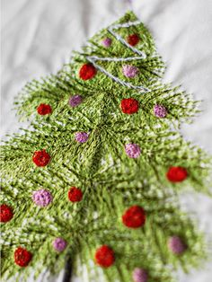 FMQ christmas tree (in progress). Longarm Quilting, Machine Quilting, Quilting Projects, Quilting Designs, Machine Embroidery, Sewing Projects, Crazy Quilting, Quilting Ideas, Free Motion Embroidery