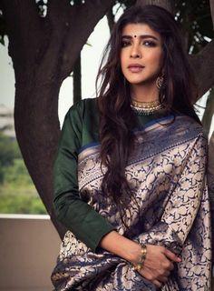 Indian Attire, Indian Wear, Pakistani Outfits, Indian Outfits, Sari Design, Diy Design, Banarsi Saree, Desi Wear, Elegant Saree