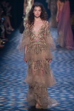 Marchesa Spring 2017 Ready-to-Wear Fashion Show - Sasha Kichigina