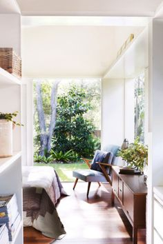 Sun-filled Sydney rental home  image 8