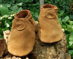 Upcycled Baby Booties / Leather Soft Sole Baby Shoes / Nubuck Brown Leather