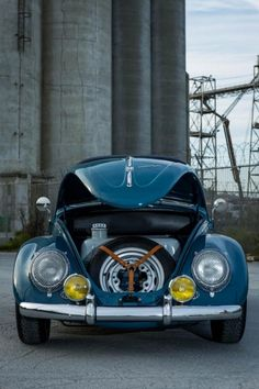 Joey has rotated his collection from vintage Mercedes cars to vintage English cars to vintage Porsches. Now he added a Volkswagen Beetle to the mix. Muscle Cars, Volkswagen Beetle, Vw Vintage, Mercedes Car, Vw Cars, Buggy, Porsche 356, Vw Beetles, Vw Camper