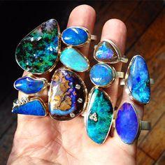 Handful of opal rings #jamiejosephjewelry #boulderopals #crystalopals #blackopals #dscolor
