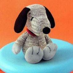 "Muñeco de Snoopy hecho con calcetín   -   sock dolls. Snoopy ""Sock Monkey"" Knit Doll.  Large"