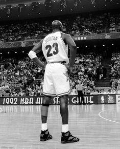 Michael Jordan Images, Michael Jordan Unc, Basketball History, Nba Basketball, Chicago Bulls, Jordan Vii, Nba Wallpapers, Basketball Pictures, Texas Rangers