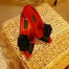 """(SING!) """"""""L'amour est un uosseau (sp?) rebelle""""!!! BOHO? Gypsy? Steampunk? Leather & Satin. Any style can strut these beauties!  All leather shoe w/ attached black satin rose.  Excellent condition.  Light use.  Clean.  Strong construction.  No spots or scuffs.  3.50"""" heels.  Reasonable offers welcome. Barefoot Originals Shoes Heels"""