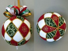 Christmas Ornament Tutorial – Pattern – DIY – No Sew – Harlequin - Fabric Crafts Quilted Christmas Ornaments, Christmas Fabric, Christmas Baubles, Christmas Crafts, Etsy Christmas, Quilted Fabric Ornaments, Christmas Tree, Flower Ornaments, Ornaments Design