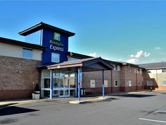 Shrewsbury Holiday Inn Express Shrewsbury United Kingdom, Europe Holiday Inn Express Shrewsbury is conveniently located in the popular Shrewsbury area. The hotel has everything you need for a comfortable stay. Facilities like free Wi-Fi in all rooms, 24-hour front desk, facilities for disabled guests, express check-in/check-out, luggage storage are readily available for you to enjoy. Guestrooms are designed to provide an optimal level of comfort with welcoming decor and some o...