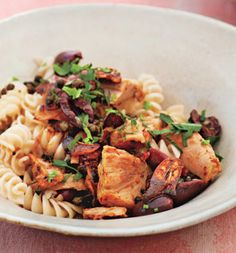 This sounds so delicious - Brown Rice Pasta With Tuna, Olives, Fried Capers (654 calories per serving - or 564 if you use water-packed tuna)
