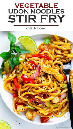 The best stir fry noodles with tofu oyster sauce and udon noodles. Perfect for takeout style dinner at home. Bring your favorite protein, add my simple bold flavor stir fry sauce with udon noodles for a yummy dinner in 20 minutes. Chicken Udon Noodles, Vegetarian Stir Fry, Veggie Stir Fry, Vegetarian Dinners, Vegetarian Recipes, Beef Udon, Tofu Noodles, Vegetarian Lunch, Udon Noodles