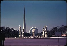 onceuponatown: New York. The worlds Fair, Trylon and Perisphere, By William A, Dobak. World's Fair, Vintage Photographs, Medium Art, Sculptures, Nyc, New York, Urban, History, Pictures