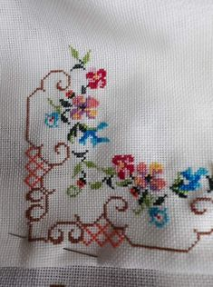 Cross Stitch Cards, Cross Stitch Embroidery, Hand Embroidery, Cross Stitch Patterns, Palestinian Embroidery, Crochet Bedspread, Flower Coloring Pages, Beaded Cross, Bargello