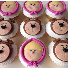 Masha y el oso Cumple Juliette 2nd Birthday Party Themes, Baby Birthday Cakes, Bear Birthday, Bear Cupcakes, Bear Cookies, Fondant Cupcake Toppers, Cupcake Cakes, Masha Et Mishka, Masha Cake
