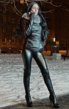 The most effective black leggings are the ones which don't fade. Women's Nike leggings and tights are made for all […] Leggings And Heels, Shiny Leggings, Faux Leather Leggings, Leather Gloves, Black Leggings, Leggings Are Not Pants, Leather Pants, Sexy Boots, Black Boots