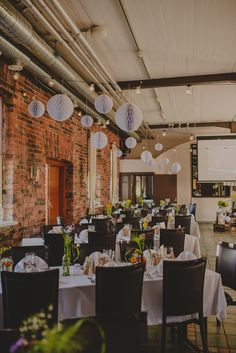 Hääkoristelu Ravintola Uunisaaressa // Rustic Wedding decoration ideas
