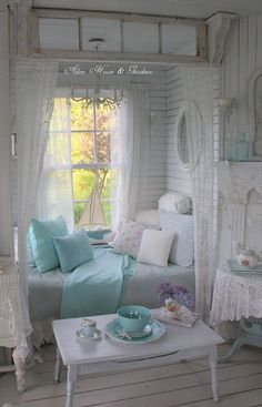 What an adorable daybed/reading nook! By Aiken House & Gardens.