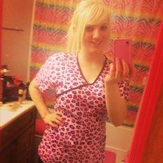 Ummm, Dallas, we wanna know what hospital allows pink cheetah scrubs?! Sign us up! #Nurses #Scrubs #Dallas