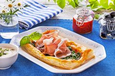 Lag denne herlige spinatpaien til lunsj eller middag. Enkelt og nydelig!